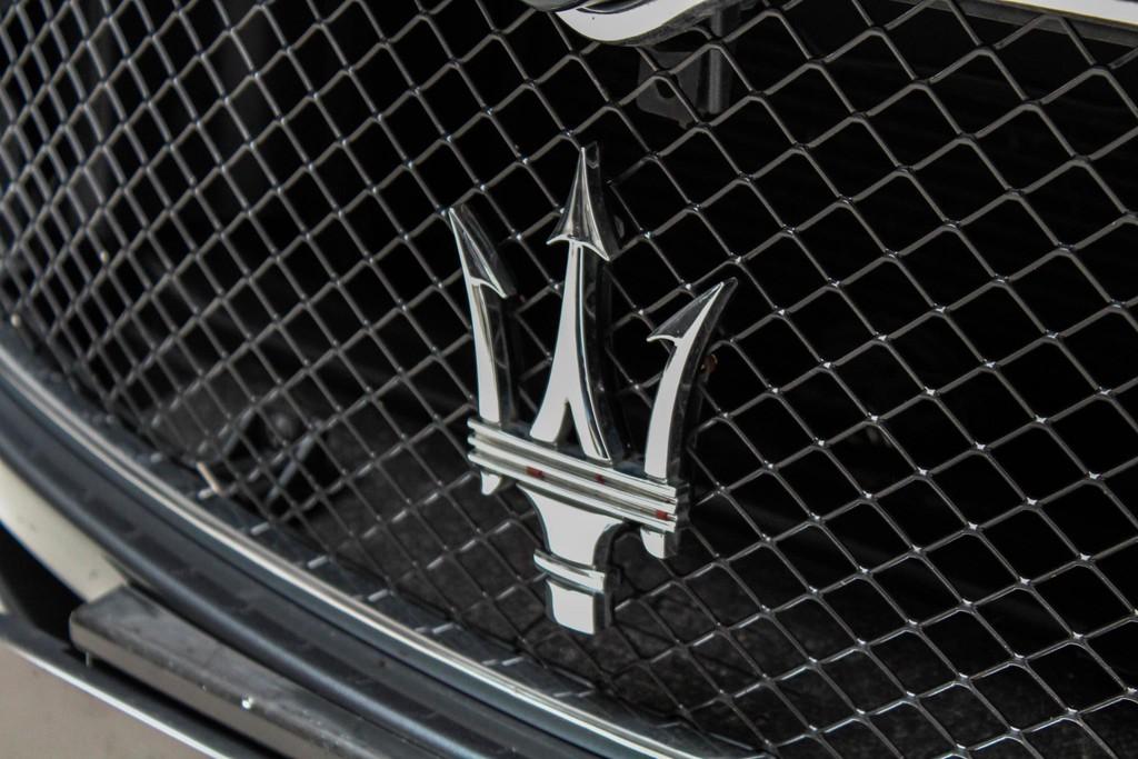 https://www.vanleukenautomotive.nl/uploads/occasions/25737966/40.jpg