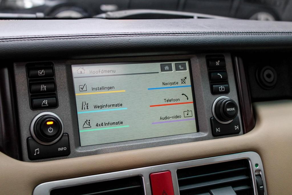 https://www.vanleukenautomotive.nl/uploads/occasions/26150249/16.jpg
