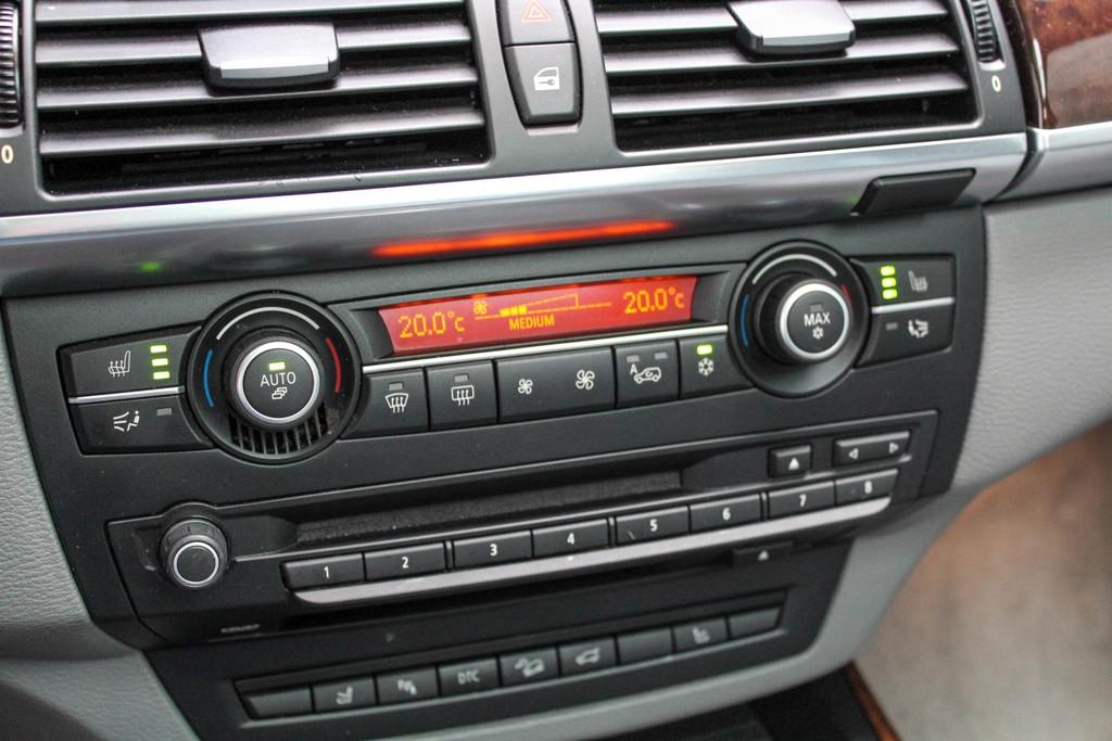 https://www.vanleukenautomotive.nl/uploads/occasions/26445622/18.jpg