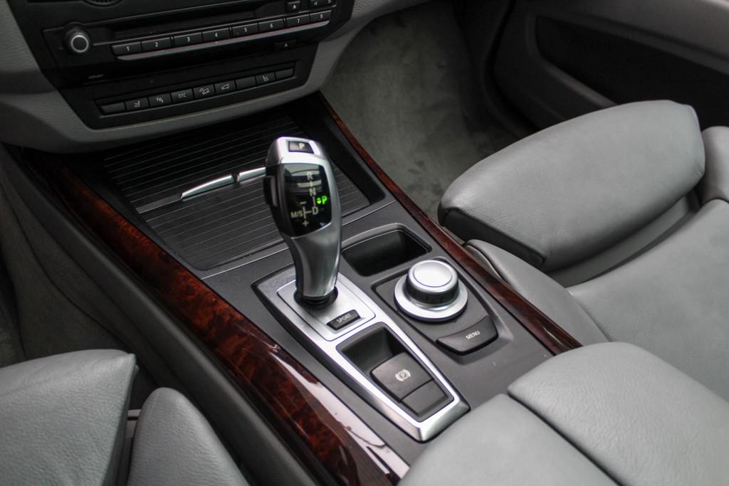 https://www.vanleukenautomotive.nl/uploads/occasions/26445622/22.jpg