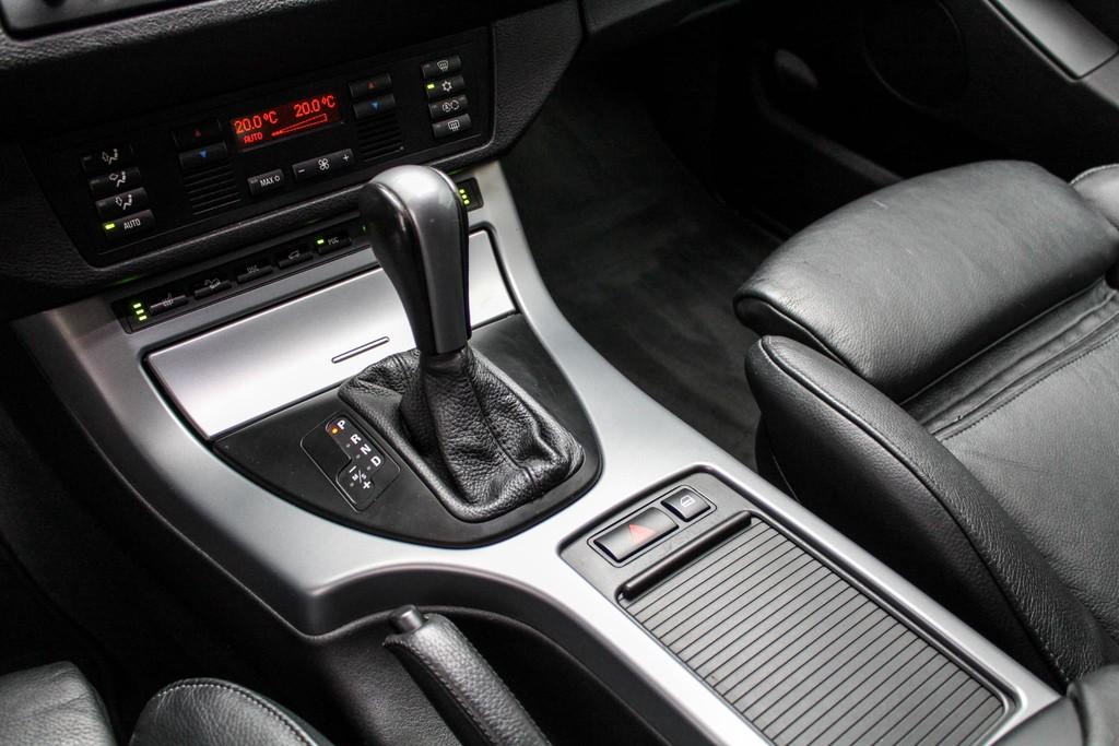 https://www.vanleukenautomotive.nl/uploads/occasions/26680394/18.jpg