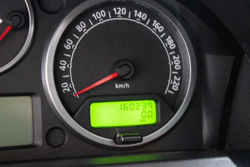 https://www.vanleukenautomotive.nl/uploads/occasions/26680596/11.jpg