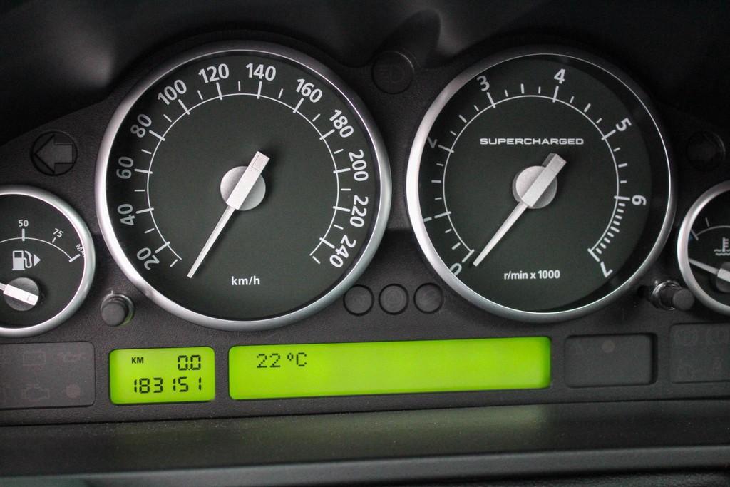 https://www.vanleukenautomotive.nl/uploads/occasions/27059656/15.jpg