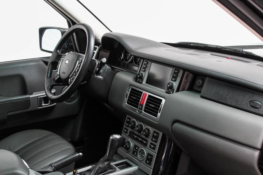 https://www.vanleukenautomotive.nl/uploads/occasions/27059656/24.jpg