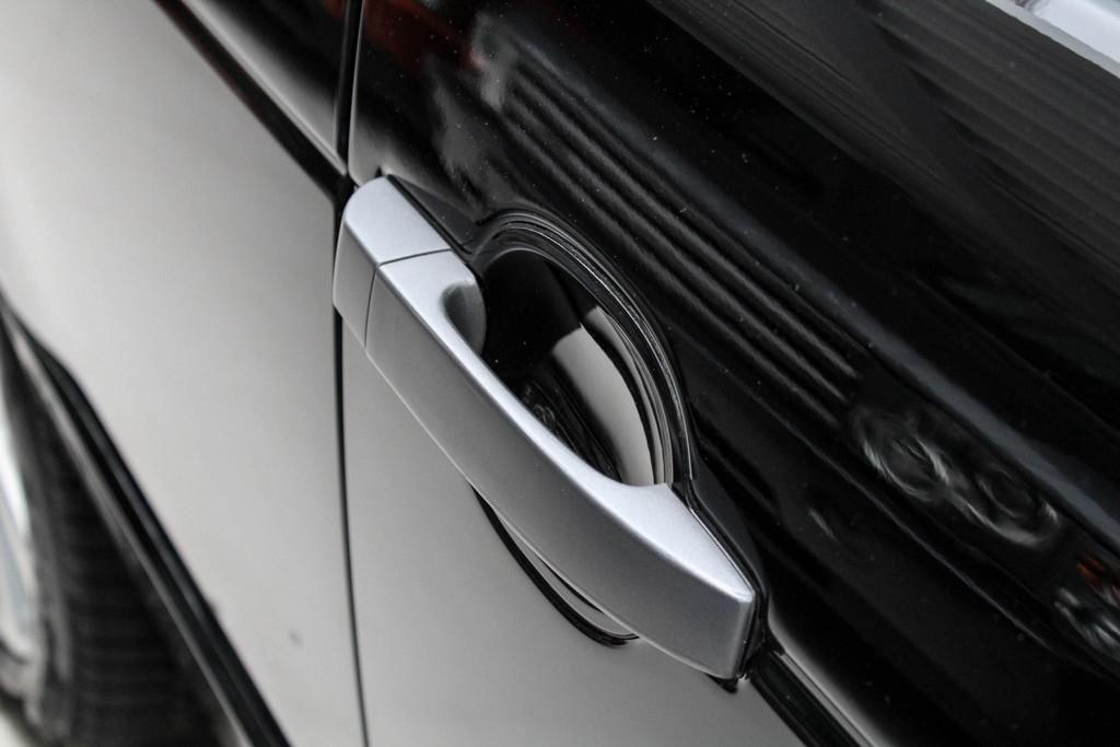 https://www.vanleukenautomotive.nl/uploads/occasions/27059856/41.jpg