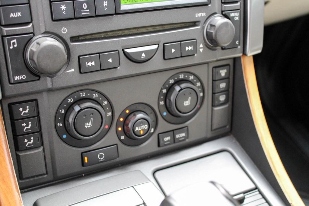 https://www.vanleukenautomotive.nl/uploads/occasions/27346609/16.jpg