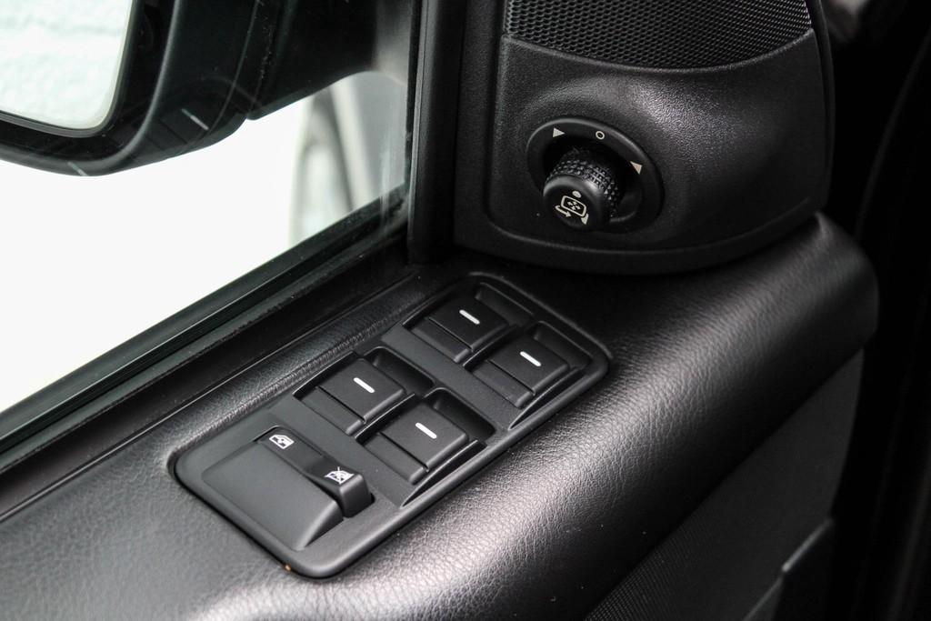 https://www.vanleukenautomotive.nl/uploads/occasions/27346659/8.jpg