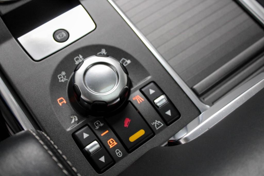 https://www.vanleukenautomotive.nl/uploads/occasions/27773310/17.jpg